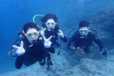 沖縄ダイビング☆3/21 青の洞窟体験ダイビング 15時半〜 しおん